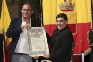 Il conferimento della cittadinanza onoraria a Diego Armando Maradona
