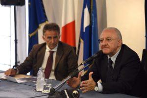 Il presidente di EaV, Umberto De Gregorio e il governatore Vincenzo De Luca