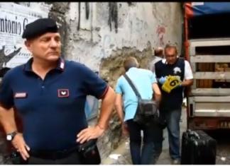 I rilievi dei carabinieri sul luogo del duplice omicidio al Borgo Sant'Antonio Abate (Stylo24)