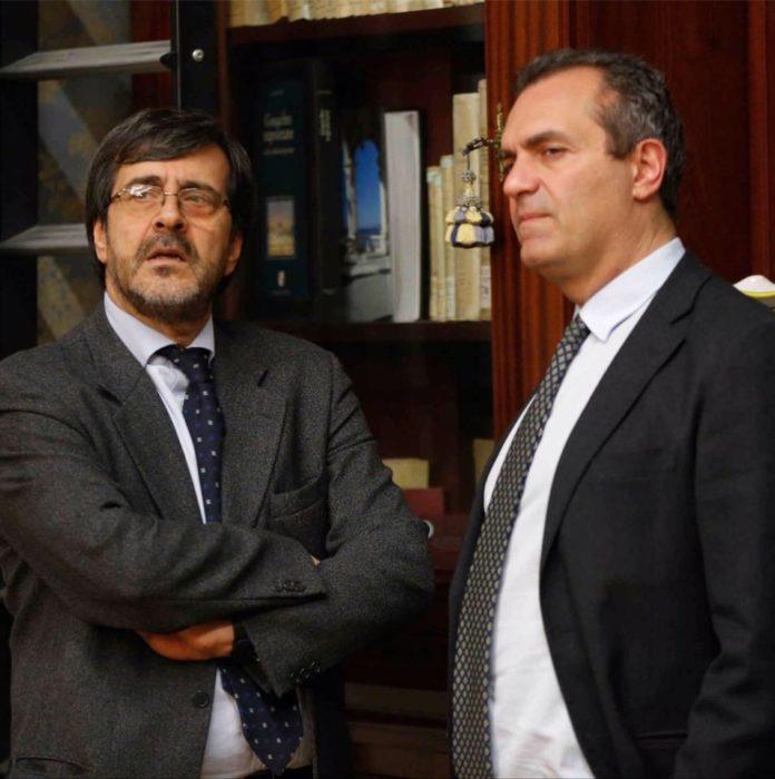 Il capo ufficio stampa Mimmo Annunziata e il sindaco Luigi de Magistris