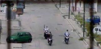 Un fotogramma di un video che riprende una stesa di un gruppo di killer