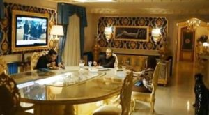 Una scena di 'Gomorra - La Serie' girata nella villa della famiglia Gallo di Torre Annunziata