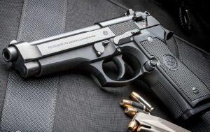 La Beretta 92FS, pistola in dotazione alle forze di polizia