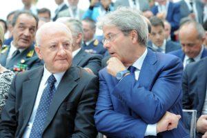 Il premier Gentiloni e il Governatore della Campania Vincenzo De Luca