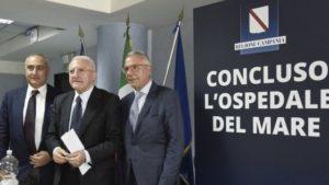 Il governatore Vincenzo De Luca inaugura l'Ospedale del mare (Stylo24)