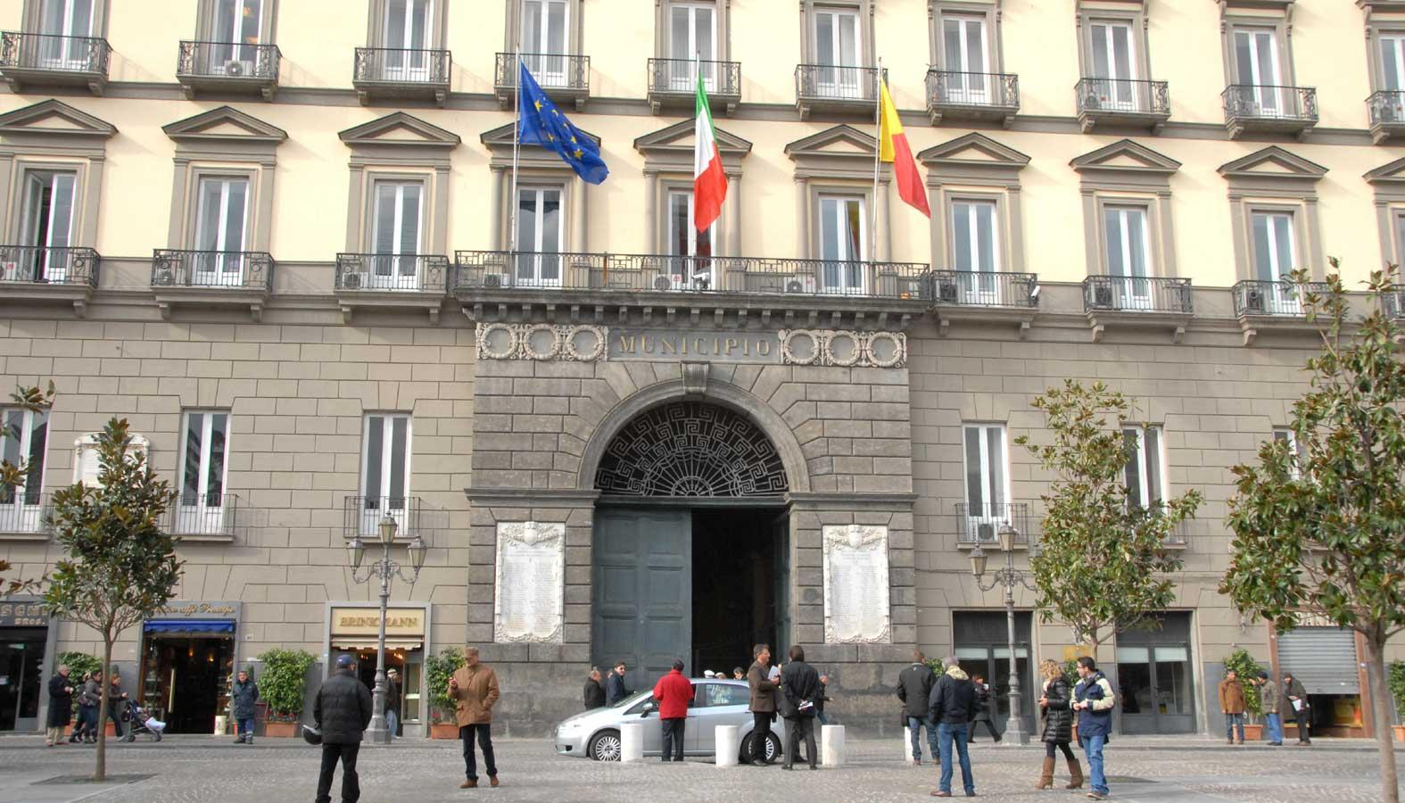 Ufficio Turistico A Napoli : Ufficio turistico sostituito da friggitoria a piazza del gesù il