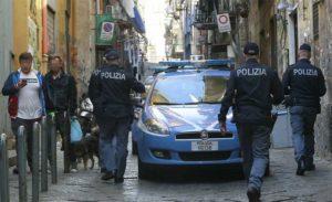 Forze dell'ordine in azione nei Quartieri Spagnoli