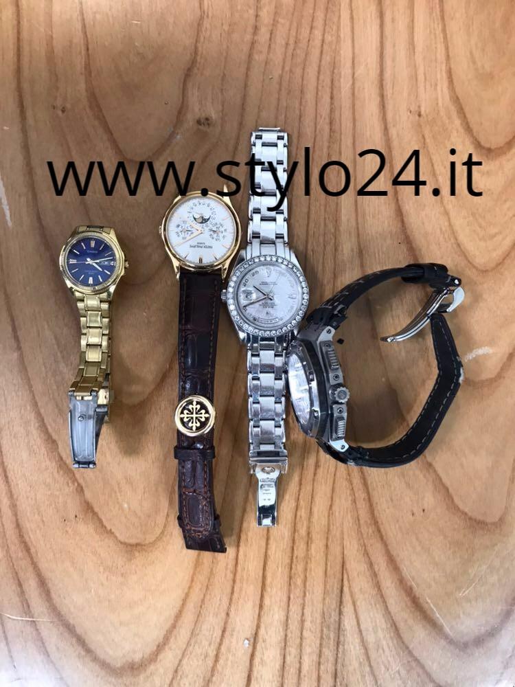 estetica di lusso ufficiale molte scelte di A Monaco la fiera internazionale degli orologi extralusso rubati