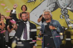 Beppe Grillo con il candidato alla presidenza della Regione siciliana del M5S Giancarlo Cancelleri durante la presentazione a Palermo, 9 luglio
