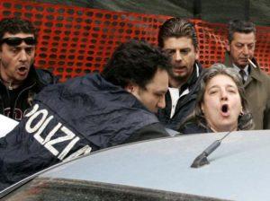 Anna Terracciano al momento dell'arresto avvenuto nell'aprile 2006