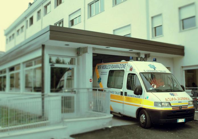 villa dei fiori acerra ambulanza