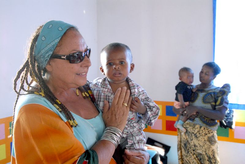 Da Napoli 13mila Al I MadagascarManina Consiglio Bambini E Suoi BdCrWoex