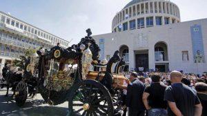 La carrozza usata per i funerali di Vittorio Casamonica (agosto 2015)