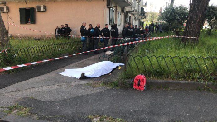 L'agguato a Luigi Mignano davanti alla scuola a San Giovanni a Teduccio