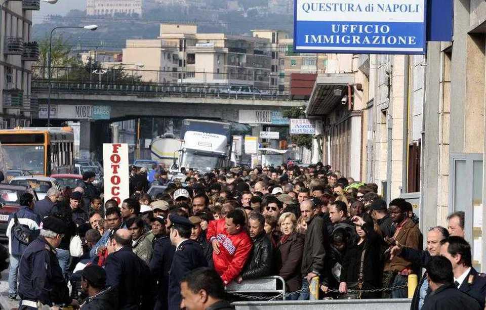 Immigrazione clandestina a Napoli: ne abbiamo fatti entrare migliaia