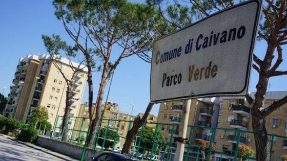 Caivano, avevano trasformato l'androne di un palazzo in una piazza di spaccio: 13 arresti