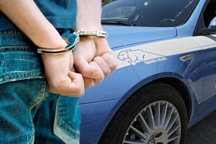 Arrestati 2 rapinatori seriali: erano il terrore dei quartieri, da Posillipo a Fuorigrotta