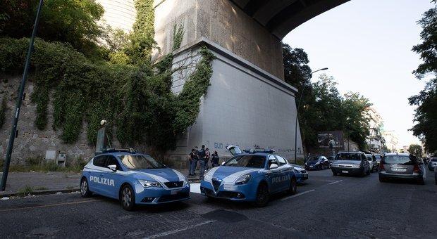 Tragedia a Posillipo, uomo si lancia dal ponte: è il quarto suicidio in 3 mesi